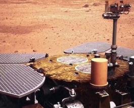 """Китайский марсоход """"Zhurong"""" коснулся поверхности Красной планеты"""