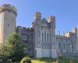 Исторические артефакты на сумму более 1 млн долларов похищены из британского замка
