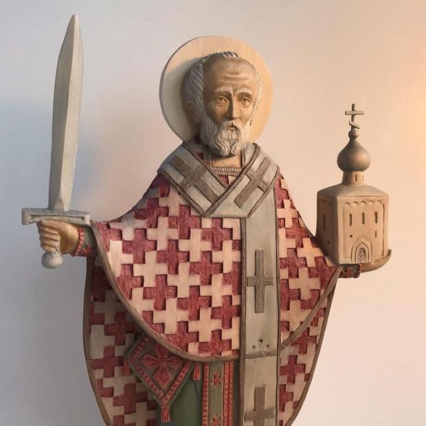 статуя святителя Николая