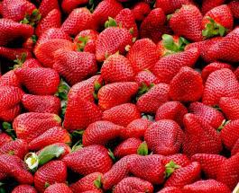 Клубника - королева июня: 3 вкусных десерта с использованием ягоды