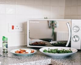 Как вымыть до блеска микроволновую печь с помощью уксуса
