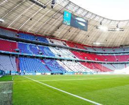 Акция протеста на Евро-2020: мужчина на параплане приземлился на поле перед матчем