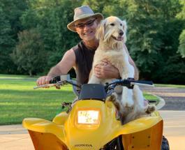 Трогательная история спасения: пес по кличке Харли помог олененку выбраться из озера
