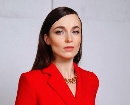 Красивая и элегантная Анна Снаткина: актриса очаровала поклонников ярким фото