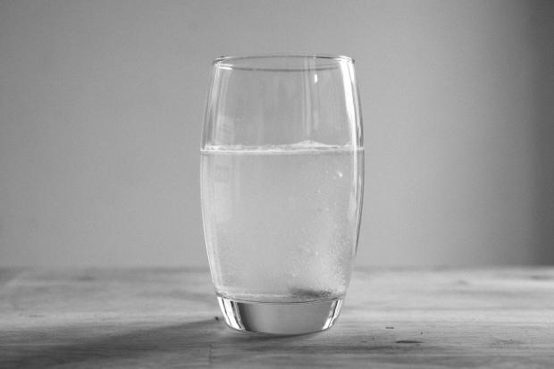 стакан холодной воды