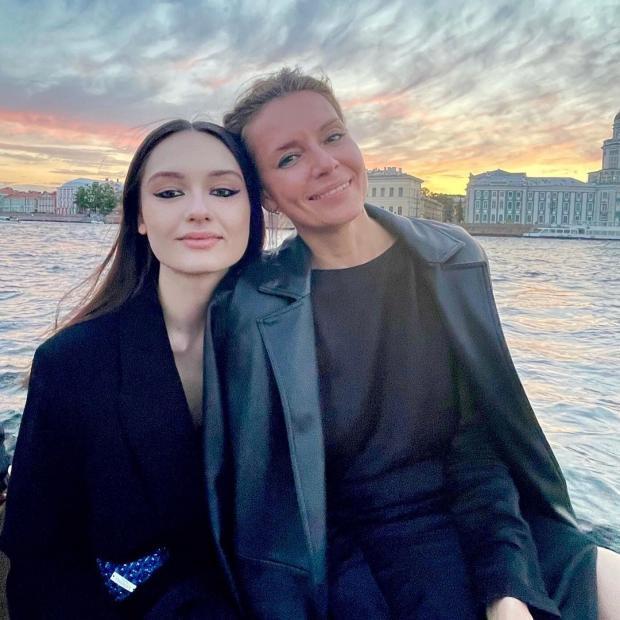 Мария Кончаловская с мамой