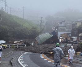 В японском городе Атами сошел мощный оползень: впечатляющие фото и видео