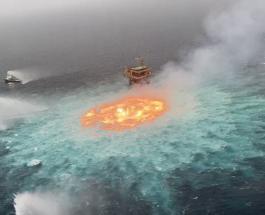 Удивительное зрелище: поверхность океана в Мексиканском заливе охвачена огнем
