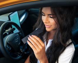 Компания Ford создала духи с запахом бензина для владельцев электромобилей