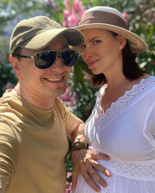 Сергей Безруков с жено