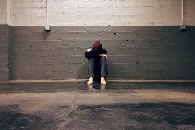 грустный мужчина