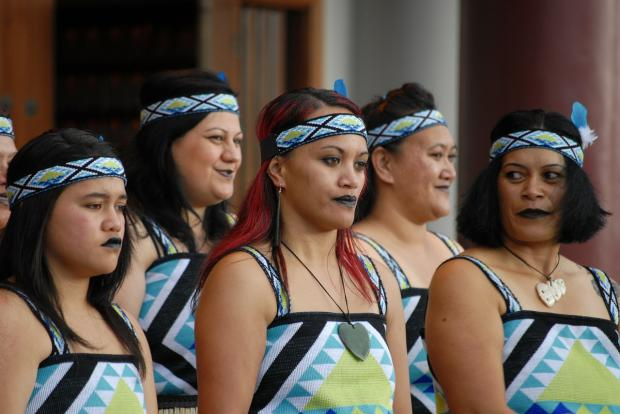 группа женщин маори