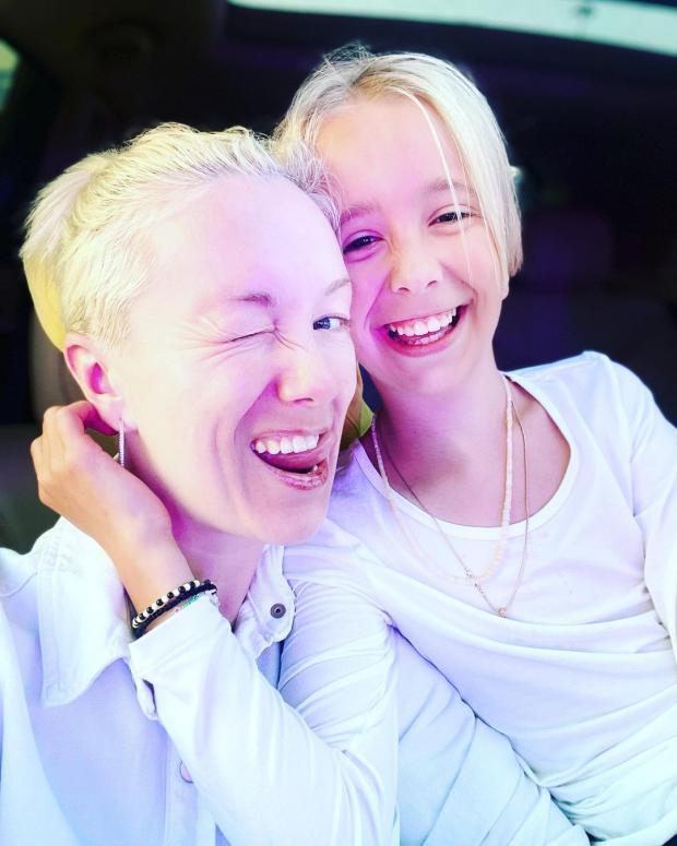 Дарья Мороз с дочкой