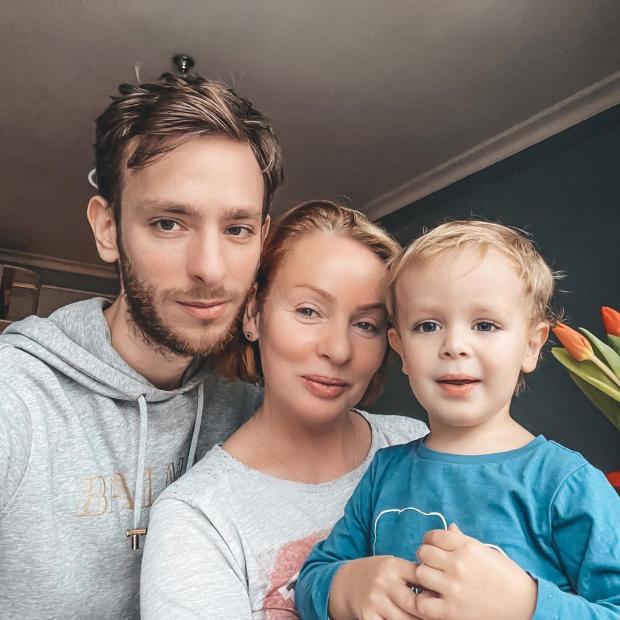Жанна Эппле с сыном Потапом и внуком