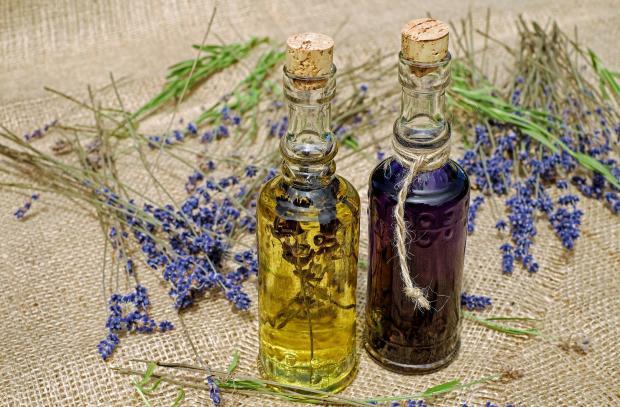 эфирные масла в бутылочках