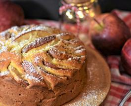 Что приготовить на Яблочный Спас: рецепт пирога с яблоками и медом