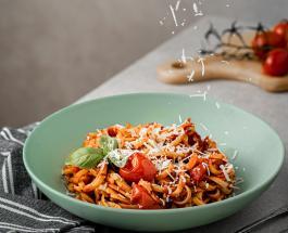 Что приготовить на ужин: запеченные в духовке макароны с мясным фаршем и грибами