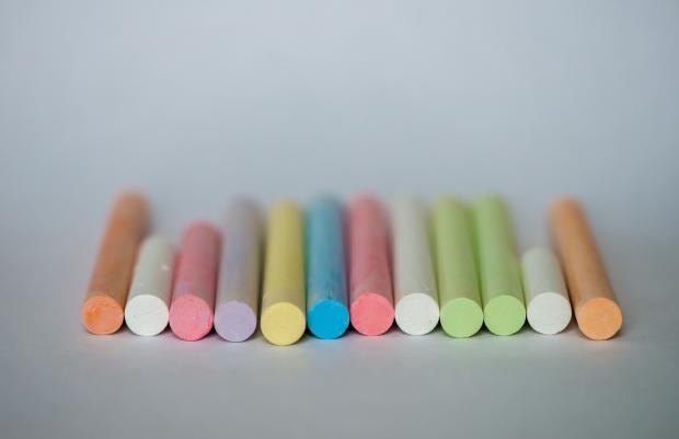 разноцветные мелки