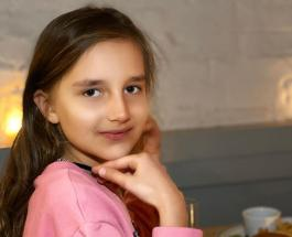 Клава Земцова проводила дядю и тетю в школу: новое семейное видео Максима Галкина