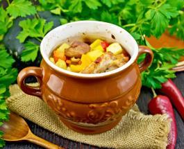 Что приготовить на ужин: рецепт картошки с мясом и грибами, запеченных в горшочках