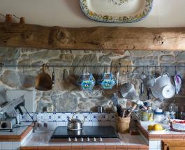 Если нет вытяжки: избавиться от запаха на кухне после приготовления еды поможет уксус