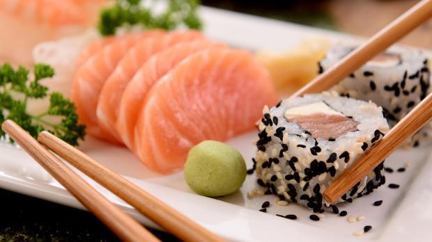 традиционный японский обед - суши