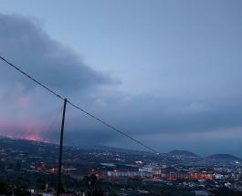Извержение вулкана Кумбре Вьеха продолжается и привлекает на остров туристов