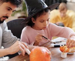 Конкурсы на Хэллоуин для подростков: 5 забавных и творческих игр на праздник