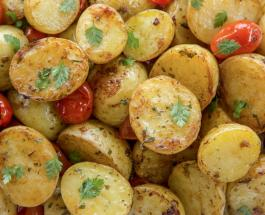 Почему не стоит выливать воду, в которой варился картофель: польза отвара