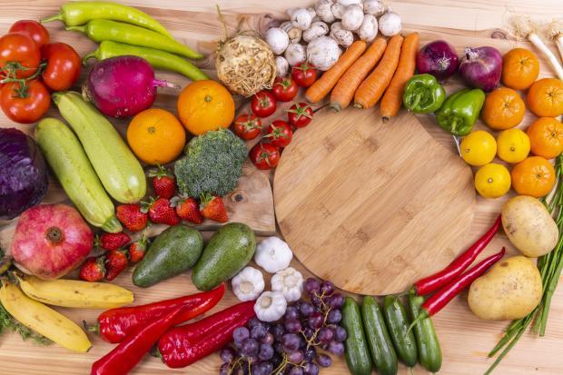 фрукты и овощи разных цветов