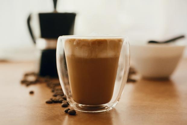 кофейная смесь в стакане