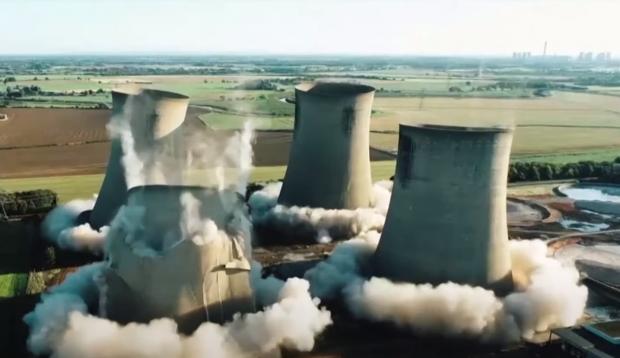 Uрадирни британской электростанции Эггборо снесены