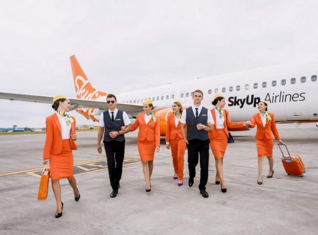 стюардессы в юбках