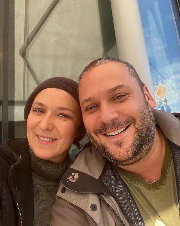 Олеся Железняк с мужем