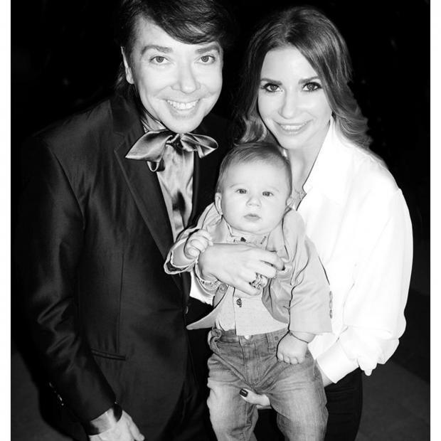 Валентин Юдашкин с дочкой и внуком